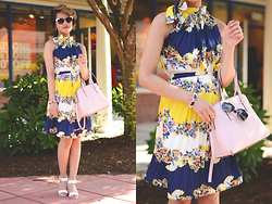 Julie Đặng - Steve Madden Nevrstp Wedges, Kate Spade Cedar Street Maise, Kate Spade In The Shade Bangle, Kate Spade Genette Sunglasses, Floral Dress - Shady Lady