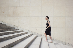 Carmen Launspach - Asos Black Dress, Le Specs Sunglasses, Vince Snake Skin Espadrilles, Nixon Watch - At Trocadéro.
