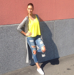 Amina Allam - Seppälä Finland Maxi Cardigan, Topshop Top, Zara Ripped Jeans, Converse Sneakers - I love yellow in the summer