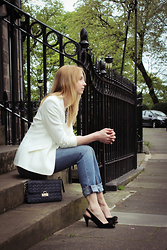Karolina - Marks And Spencer Blazer, Tommy Hilfiger Jeans, Zara Sandals, Tk Maxx Quilted Bag - White blazer