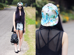 Jen Lou M - Zerouv Tropical Blue Snapback, Missguided Mesh Sleeveless Blazer, H&M Cross Back Top, Zerouv Mint Sunglasses, River Island Denim Hotpants, Primark Backpack, Pointed Flats - I Pick My Poison and it's You