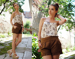 Anaivilo B - Zara Silk Top, Stradivarius Suede Shorts, Stradivarius Wedges - Scorching Summer
