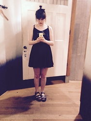 Anna Marshall - Urban Outfitters Dress - Summer black