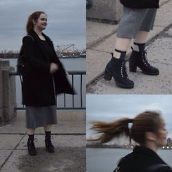 Anna - Skirt, Coat, Urban Outfitters Transparent Socks - Old port grey