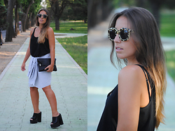 Claudia Villanueva - Pull & Bear Sunglasses, Zara T Shirt, Sfera Clutch, Zara Men´S Shirt, Boohoo Mules - Dad´s Shirt