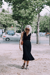Laugh of Artist - Zadig & Voltaire Bag, Ikks Sandals, Vintage Dress - Défilé couture Paris
