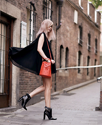 Jana Wind - Marc By Jacobs Bag, Sarenza Boots - Dare