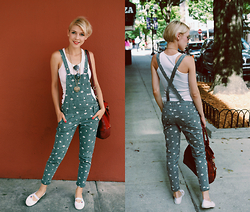 Zuzana -  - Green Lights For Dungarees