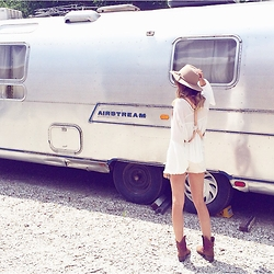 Anna Schowe - Free People Harness, Forever 21 Top, Free People Shorts, Nordstrom Hat - Wanderlust.