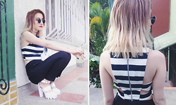 Valentina Ocampo - Stradivarius Crop Top - White stripes