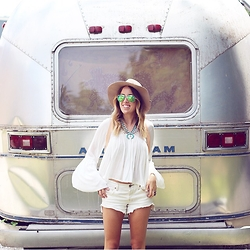 Anna Schowe - Free People Shorts, Forever 21 Top, Nordstrom Hat, Ray Ban Sunnies, Baublebar Necklace, Free People Harness - Adventure.