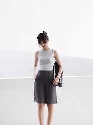 Brenda N. - Young Hungry Free Borrowed From The Boys Culottes, Forever 21 Grey Shades, Adidas Drawstring Backpack - Grey hues