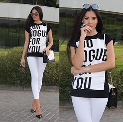 Laura Badura - The Kript Tshirt, Topshop Jeans, Charles And Keith Bag - Too Vogue For You!