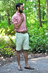 Hector Diaz - J. Crew Long Sleeve Salmon Shirt, J. Crew Lime Green Chino Shorts (Similar), 1901 Nordstrom Loafers, Dolce & Gabbana Shades (Similar) - Warm Summer Pastels
