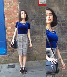 Cécile D. - American Apparel Velvet Crop Top, Primark Houndstooth Pencil Skirt, Casio Digital Watch - Albion