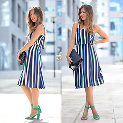 Helena Cueva - Fashion Pills Dress, Zara Sandals, Mango Handbag - Itaca Striped Dress