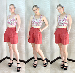 Suzi West - Forever 21 Floral Crop Top, Guess? High Waist Shorts, Charles David Platform - 13 July 2015