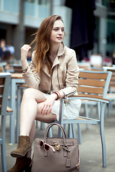 Kasia Brzozowska - Michael Kors Bag, Zara Boots, Bershka Dress, H&M Jacket - Boho chic I CITY EDITION I