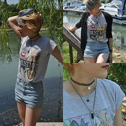 Lexie P. - New Yorker 3 Set Necklace & Choker, C&A Black Cardigan, New Yorker 'Trust Me' Graphic T Shirt, Pull & Bear High Waisted Shorts - Trust Me