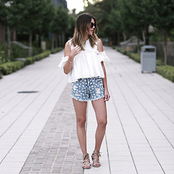 Brittany Xavier - Pixie Market White Top, Target Mid Rise Star Print Americana Jean Shorts, Sam & Libby Women'S Arianna Gladiator Sandals - Seeing stars
