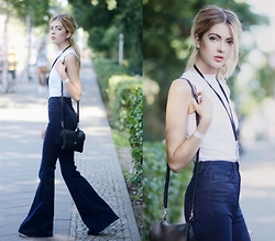 Ebba Zingmark - Pylo High Waistwed Flared Jeans, Monki Bag - FLARED