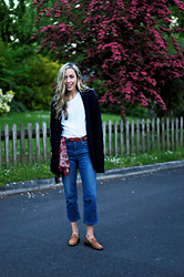 Daniella Robins - Topshop Jeans - Bloglovin Problems & Monday's Denim