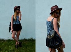 Agnieszka Warcaba - Dresslink Hat, Bornprettystore Necklace, Second Hand Top, H&M Shorts, Centro Backpack, H&M Boots, Vinted Sunglasses - Shorts or skirt?