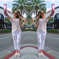 Dani Mikaela McGowan - Wildfox Smart Blonde Tee, Garage White Jeans, Bucco Platforms, Moschino Mirror Case - Rodeo Drive