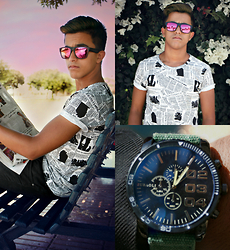 Younes Lakmad - Hk Style Men Tee, Watches - Newspaper