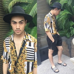 Kevin Kinno - H&M Black Fedora, Asos Nose Cuff, Forever 21 Metal Sunglasses, St, Torosa Italian Printed Shirt, Forever 21 Sport Shorts, Adidas Slides - 35°C