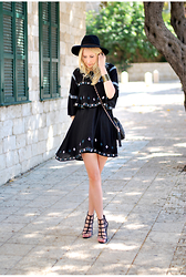 Anat Koren - Zara Dress, Forever 21 Hat, Zara Heels, River Island Bag - Boho dress