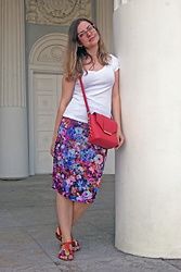Aleksandra B. - Asos Skirt, Miss Selfridge Bag - YELAGIN ISLAND