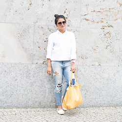 Neha Gandhi -  - Casual yet Chic