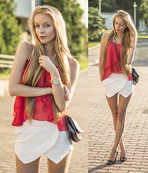 Katarzyna P - Zara Shorts, Dressgal Tank Top, Dresslink Bag - HOT SUMMER