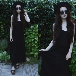 Anna Garavello - Thrifted Hat, Pimkie Round Sunglasses, H&M Black Daisy Dress, Platftorm Sandals - Serious Witch
