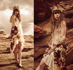 Alexe Bec - Doll Poupée Feathers Headband, Free People Dress, Doll Poupée Kimono - Lake Powell, Arizona.