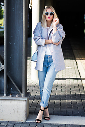 Anita VDH - H&M Boyfriend Jeasn, Zara Black Open Heels, Storm & Marie Pastel Coat, & Other Stories Pastel Sunglasses, Primark Baby Blue Shoulder Bag - Soft Tones