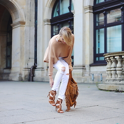 Leonie Hanne - White Denim, Fringe Bag, Pullover, Heels - Used white denim & Camel | ohhcouture.com