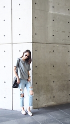 Norelle Weng -  - Ripped Jeans