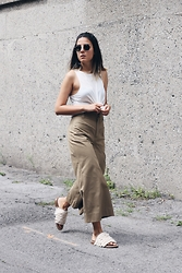 Elif Filyos - Topshop Knotted Tank Top, Zara Cropped Pants, Tibi Fringe Jack Sandals - The Sequel