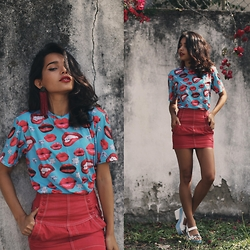 Alana Ruas - Mr. Gugu & Miss Go Shirt - RED LIPS