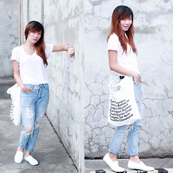 Germeline Nabua - American Apparel Inspired Tote Bag, City Sneaks White Slip On, Guess Diy Tattered Jeans, Penshoppe Plain White V Neck - Sneaking in the City