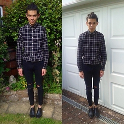 Joey Drozario - Asos Grid Shirt, Asos Ripped Jeans, Zara Brogues - Summer in black