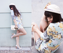 Sarah K. - Asos Flower Blazer, River Island Hat, S.Oliver Pumps - Summer Flower Chic