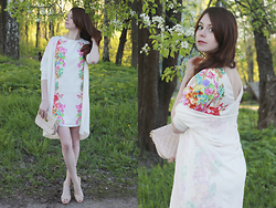Anna Aleshina - Asos Dress, Asos Cross Body Bag, Asos Cardigan - Bright bloom