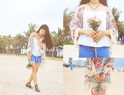 Day Dreamer - Romwe Floral Kimono, Mango Crochet Top, Denim Shorts, Topshop Gladiator Sandals - Home is where the <3 is