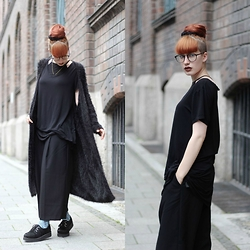 Kaj Lydia - Monki Cardigan, H&M Culotte, Underground Creepers, Zerouv Glasses - All Black, All Wide
