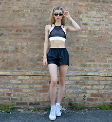Dani Mikaela McGowan - Urban Outfitters Sports Bra, H&M Leather Shorts, Converse Sneaker Wedges - Sporty Spice