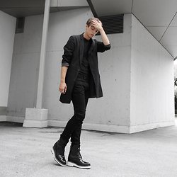 Georg Mallner - Guido Maggi Nevada Boots, Topman Blazer, Weekday Jeans - August 4, 2015