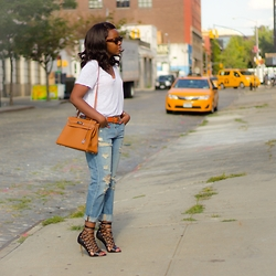 Liz Lizo - Hermes Bag - A dash of ripped jeans